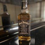 ジャックダニエルの特徴や飲み方と人気おすすめ10種類【バーボンとの違いも】