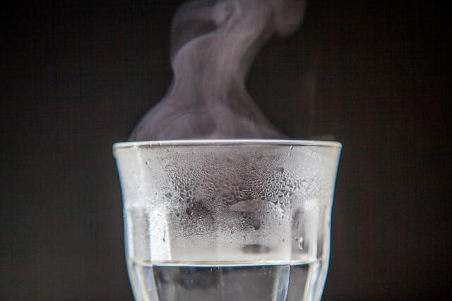 温めたグラス